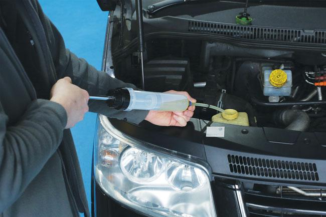 Laser Tools 5698 Multi-Purpose Oil Transfer Syringe 200cc