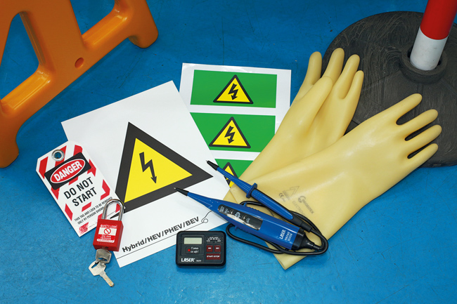 Laser Tools 8156 Roadside Safety/Recovery Kit