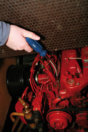 Hose Clip Driver - 6 & 7mm heads in use