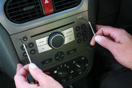 Stereo/Sat Nav Removal Set - 32pc in use