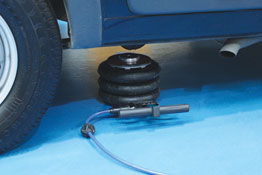 Pneumatic Jack Extended Height - 2 Tonne in use