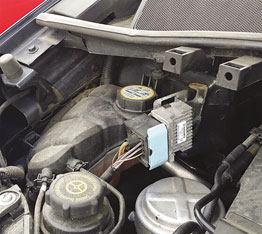 Coolant Cap Tool - Ford/Mazda/Volvo in use
